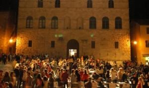 Cantine in Piazza @ Piazza Grande, Montepulciano | Montepulciano | Toscana | Italia